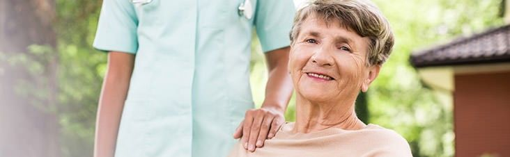 Ein Treppenlift eignet sich für Pflegefälle