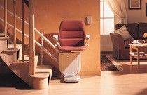 Der Sitzlift ist ein klassischer Treppenlift für mehr Mobilität im Alltag