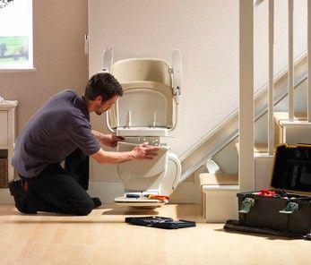 Treppenbreite: Voraussetzungen für den Sitzlift-Einbau