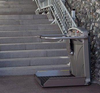 plattformlift vorteile kosten einbau treppenlift. Black Bedroom Furniture Sets. Home Design Ideas