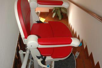 Type de monte-escalier: siège élévateur rouge