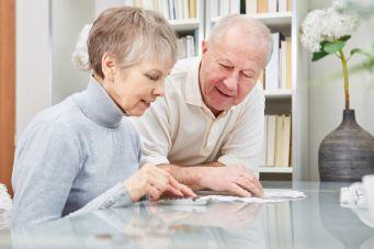 Treppenlift steuerlich absetzen: Ehepaar macht Steuer