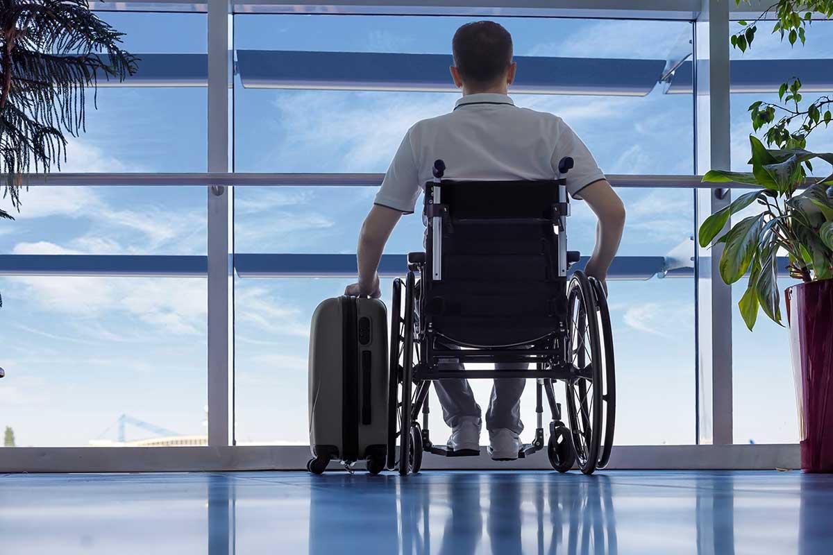 Mit einem Reiseveranstalter für barrierefreie Reisen am Flughafen