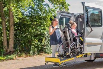 Barrierefrei reisen mit dem Behindertenfahrdienst