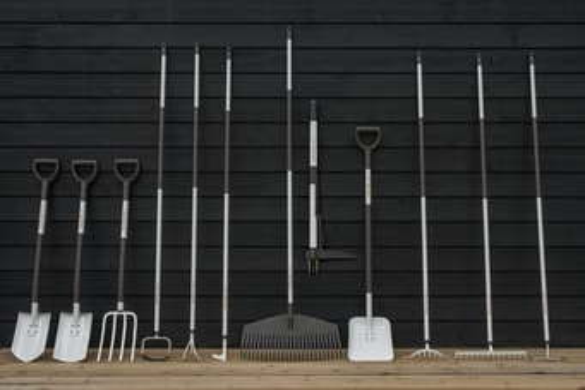 Rückenschonendes Gartenwerkzeug für einen barrierefreien Garten von Fiskars.de