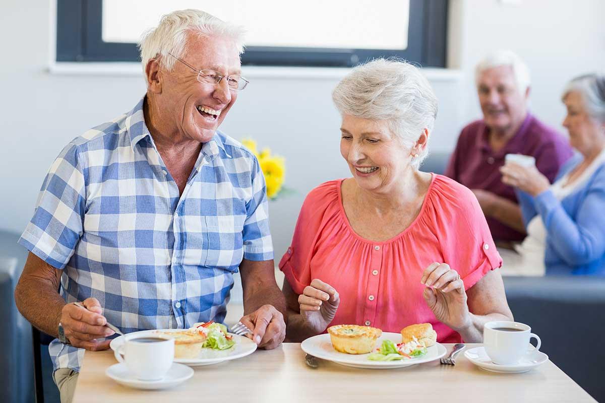 Fit im Alter mit gesunder Ernährung