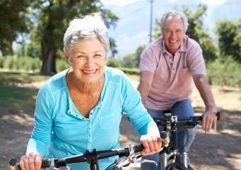 Fitness für Senioren auf dem Fahrrad
