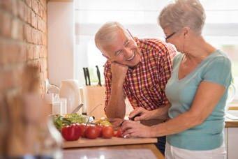 Empfehlung der FINGER-Studie: gesunde Ernährung im Alter