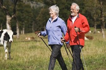 Nordic Walking für Senioren in der Natur