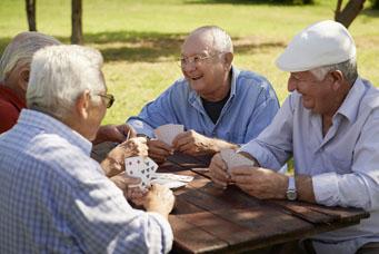 Spiele für Senioren: Kartenspiel
