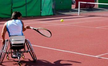 Tennis als eines der Freizeitangebote für Menschen mit Behinderung