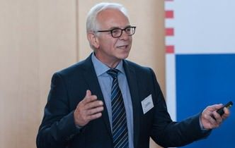 Gerd Schierenbeck vom Bundesverband Initiative 50Plus